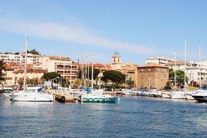 Blick auf Sainte-Maxime vom Wasser aus