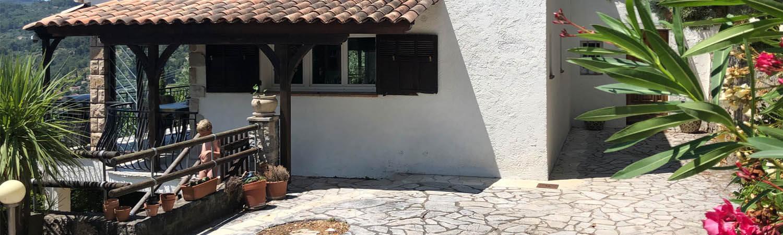 """Außenansicht des Ferienhauses """"Villa Seillans"""" in Seillans, Provence, Frankreich: Ihrem Traum-Ferienhaus zur Miete!"""