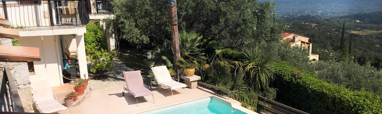 Ferienhaus Seillans - Aussicht Pool auf die Provence